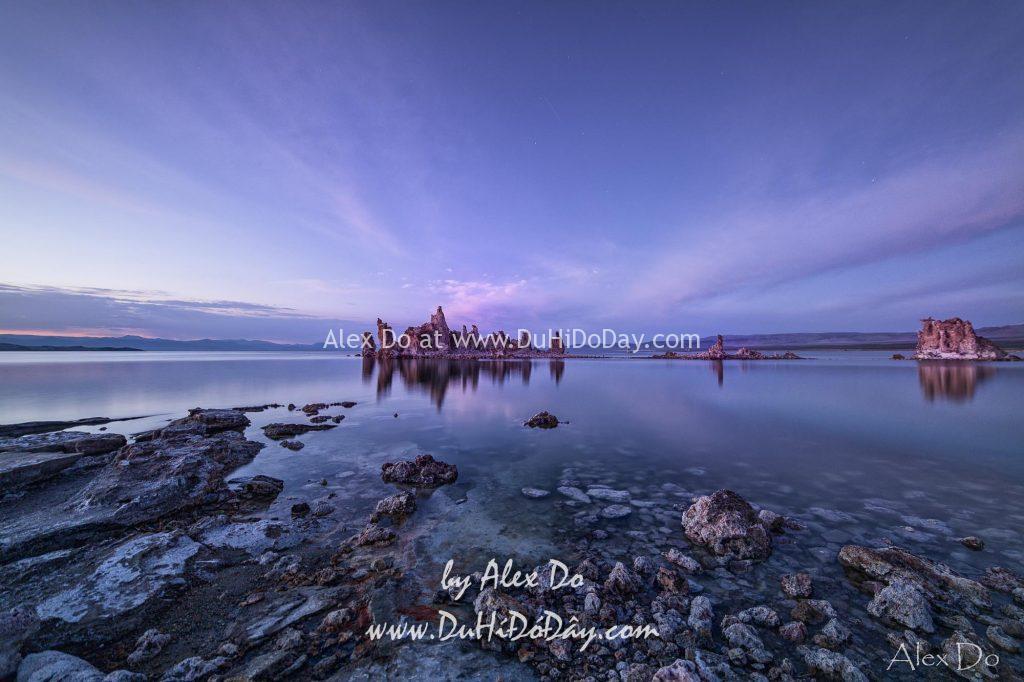 Mono Lake sau khi mặt trời lặn