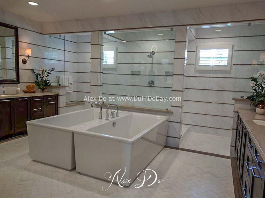 Phòng tắm của một nhà mẫu ở San Diego