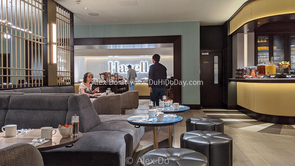 Ăn sáng buffet ở nhà hàng Haxell của khách sạn Strand Palace