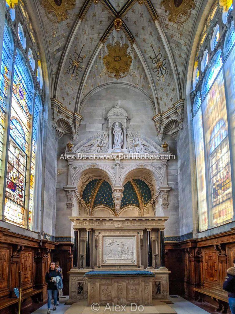 Nhà thờ bên trong lâu đài Chantilly
